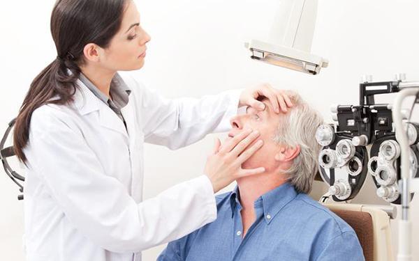 Pacjent z podejrzeniem jaskry. Obserwacja w kierunku jaskry