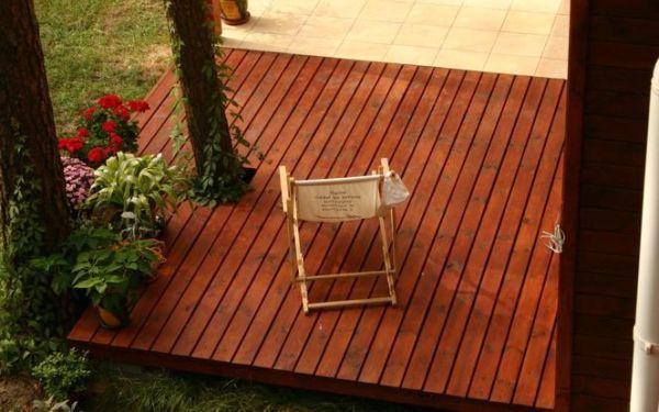 Jak zbudować taras z drewnianych desek?
