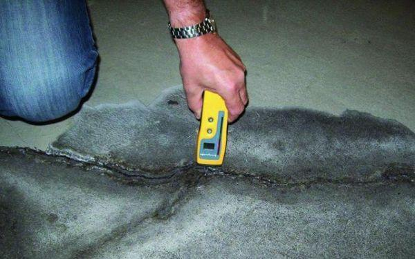 Posadzki przemysłowe - uszkodzenia i sposoby naprawy posadzek betonowych